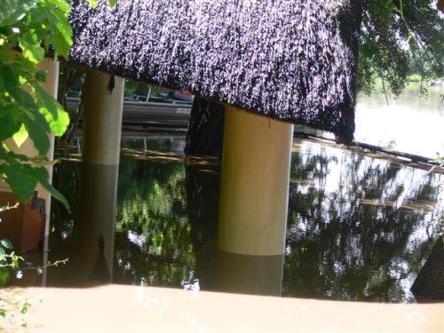 Kapani-bar-flood